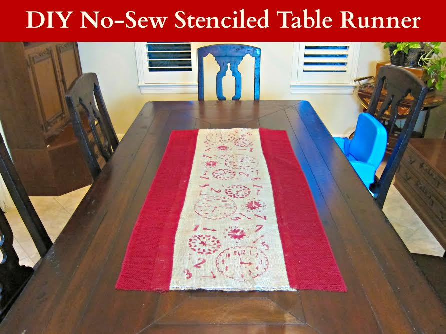 burlap main DIY Burlap Table Runner   By Morena of Morenas Corner