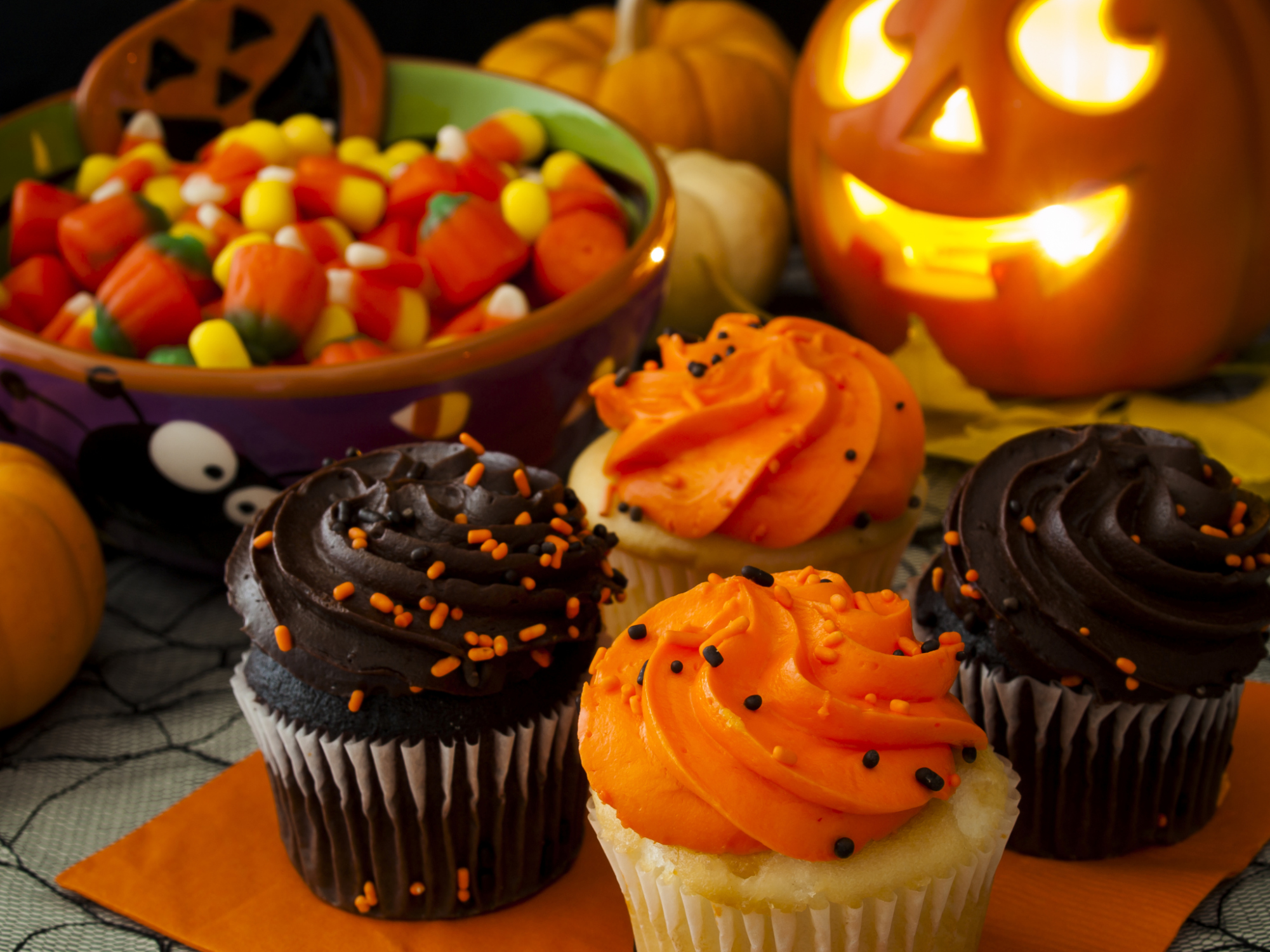 ThinkstockPhotos 178564205 Decorate Your Home for Halloween