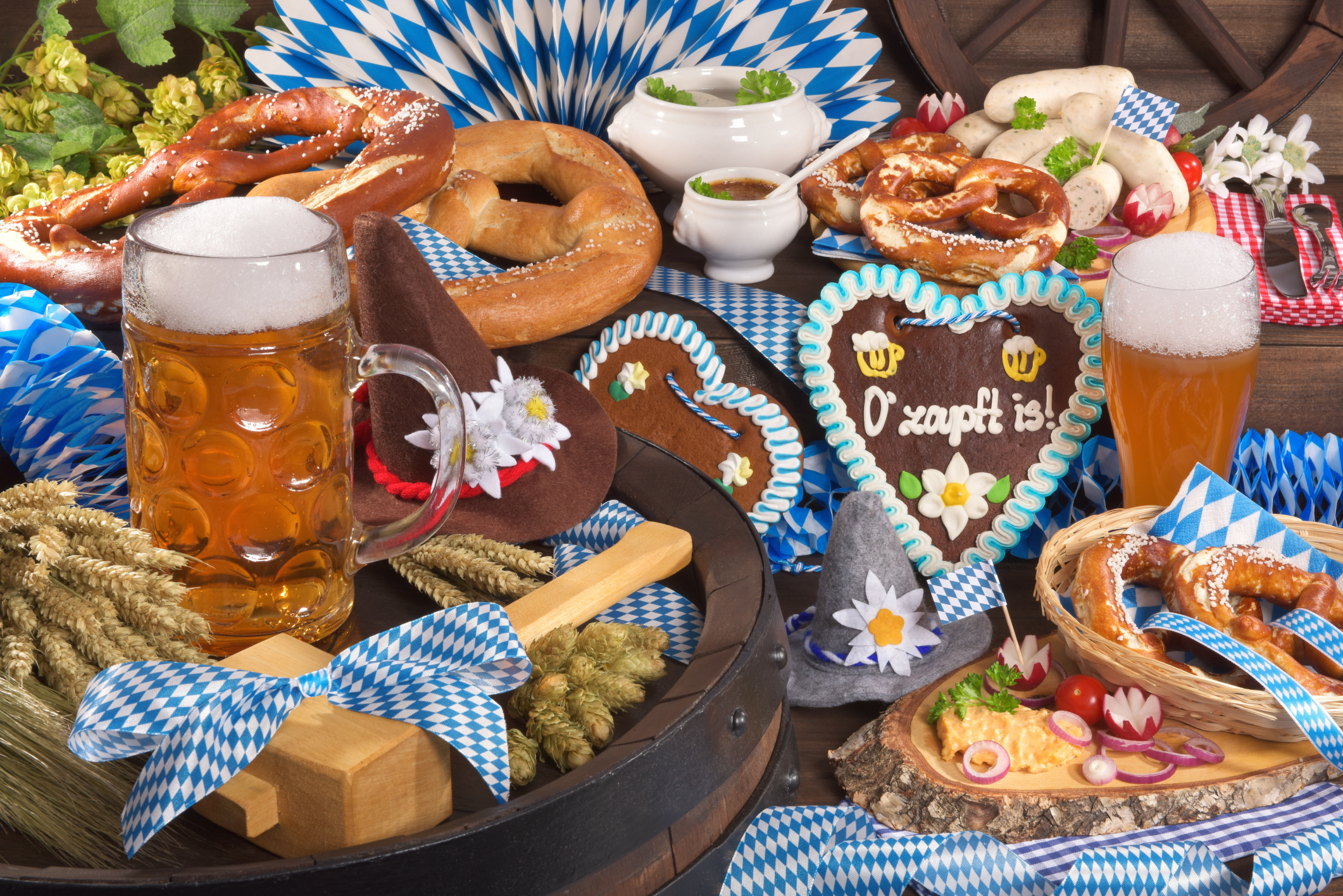 ThinkstockPhotos 487404268 Oktoberfest Checklist: Everything You Need to Host a Party