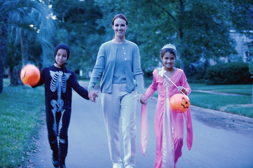 mom 5 Tips For A Healthier (But Still Fun!) Halloween