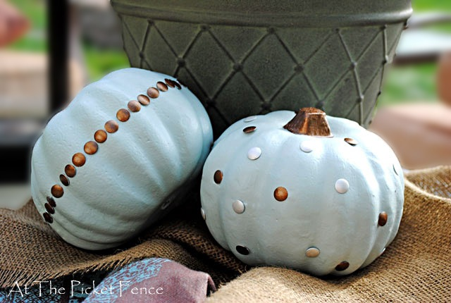 nailhead pumpkin 5 thumb2 Fall Crafts & DIY Projects that Wont Take All Day