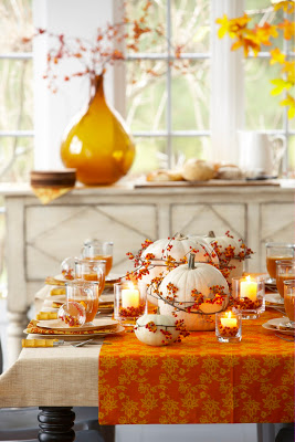 BHG Bittersweet 144 12 DIY Decoration Ideas for the Thanksgiving Table