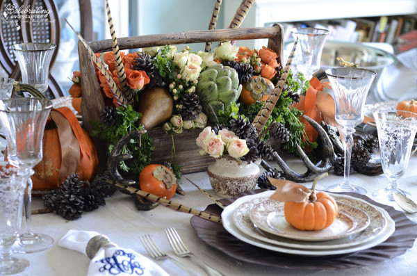 Centerpiece2 12 DIY Decoration Ideas for the Thanksgiving Table