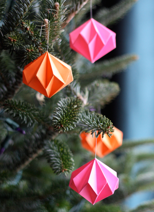 origami diamond ornaments 12 Fast and Easy Homemade Christmas Ornaments
