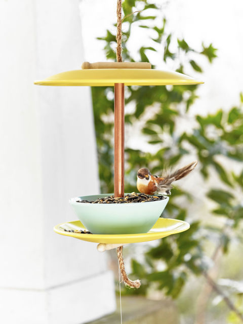 Bird Feeder 12 Fabulously Fresh DIY Ideas for Your Spring Home Decor