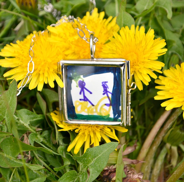 Locket 8 Personalized Mothers Day Gifts You Can Make Yourself
