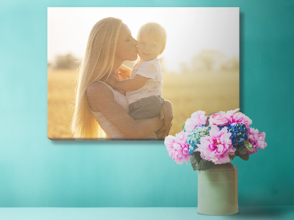 MothersDayCanvasFINAL 8 Personalized Mothers Day Gifts You Can Make Yourself