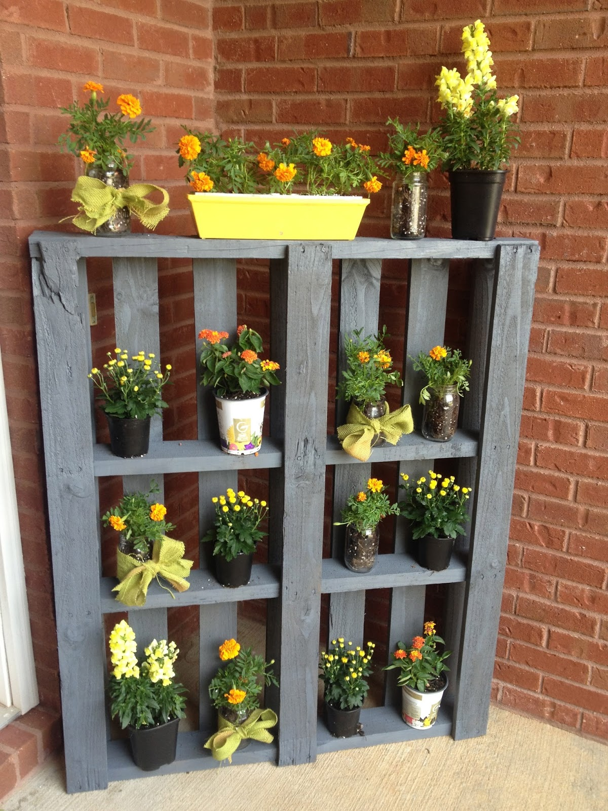 Pallet Plant Stand 12 Fabulously Fresh DIY Ideas for Your Spring Home Decor
