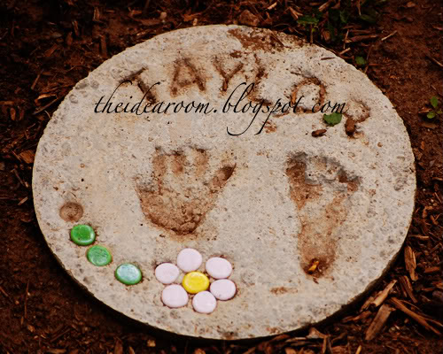 SteppingStones1 8 Personalized Mothers Day Gifts You Can Make Yourself
