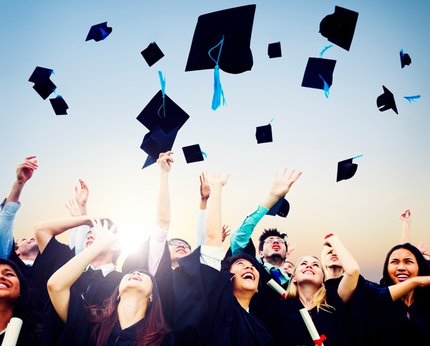 ThinkstockPhotos 4875479031 The Top 20 Graduation Photo Ideas for 2016